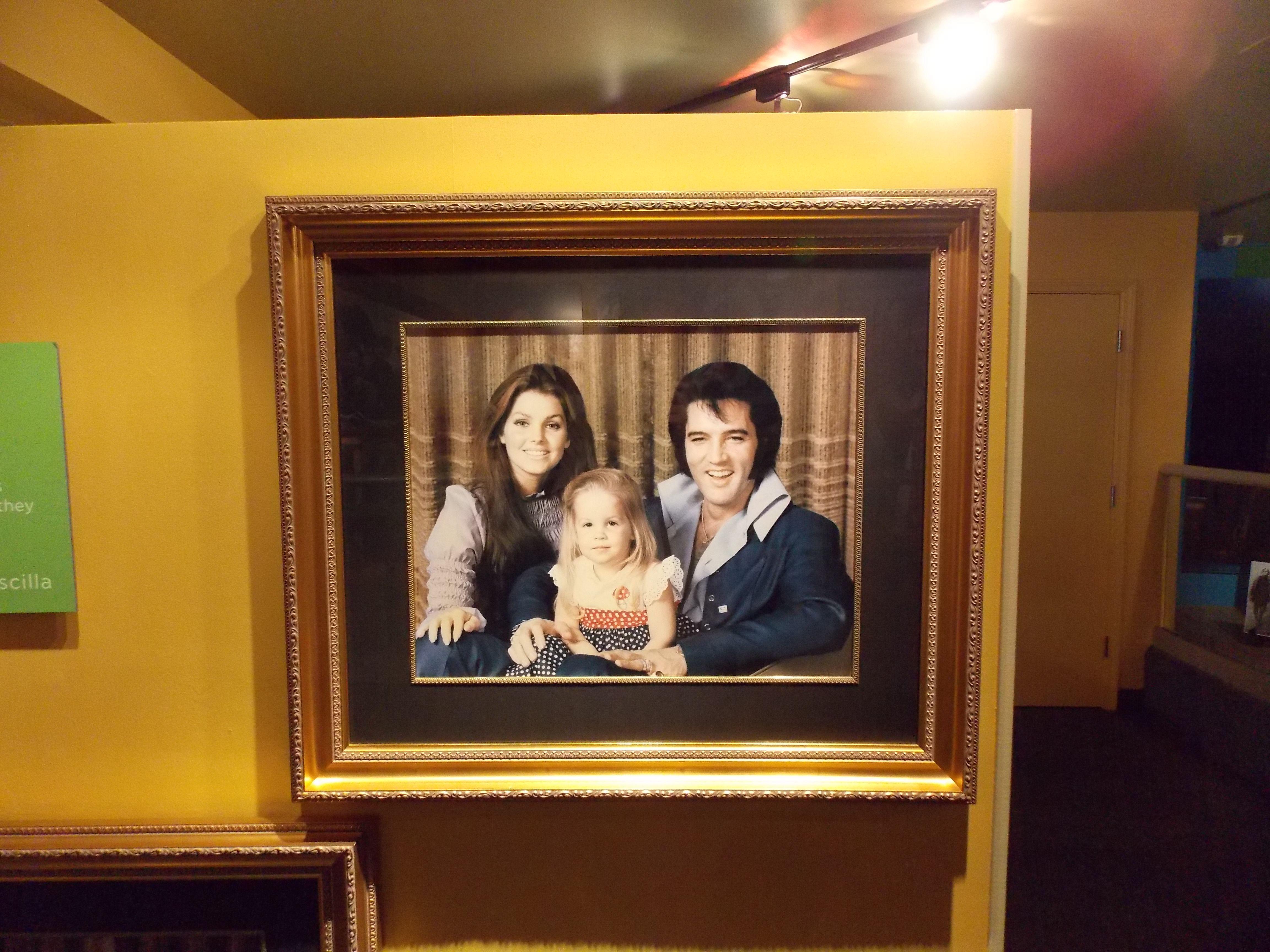 Elvis Graceland Inside Graceland Elvis Bedroom