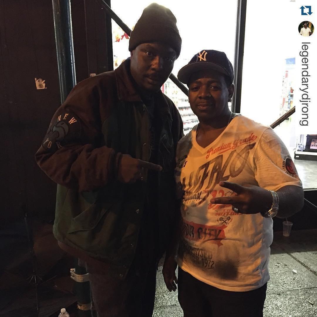 #Repost @legendarydjrong  Me DJ Sond @therealdjsond & Dj Ron G @legendarydjrong in Harlem at DJ -con  #DjSond #instagood #dj #djs Rap #BattleDjs #ClubDjs #Funk #BreakBeats #Hiphop #Jazz  #Talnts #supermodels #HouseMusic #Reggae  #paidinfull #RocknRoll Rock #PopMusic Seratodj  VinylRecords  #Brooklyn #NYC #party #turntablism #rap Dance #radiodj #instarepost20 #instarepost  #models #Scratchin #teamdiamond #djcon by therealdjsond http://ift.tt/1HNGVsC