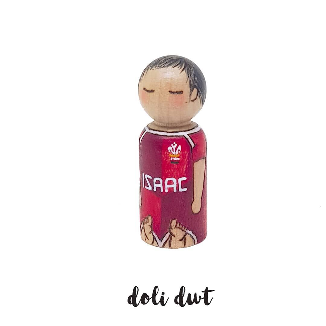 A recent commission to welcome a new baby  The request was for him to wear his Welsh rugby romper so I switched out the sponsorship for his name in the same font across his tummy to truly personalise it   Doli Dwt: the original home of wood-burned hand coloured peg dolls since 2015 . . #newbaby #babannewydd #cymro #babyboy #mumslife #toddlerlife #instaparent #parentblogger #rugby #cymruambyth #welcometotheworld #dolidwt #uniquegifts #madeinwales #handmadegifts #heirloom #etsyswansea #etsyuk #ind