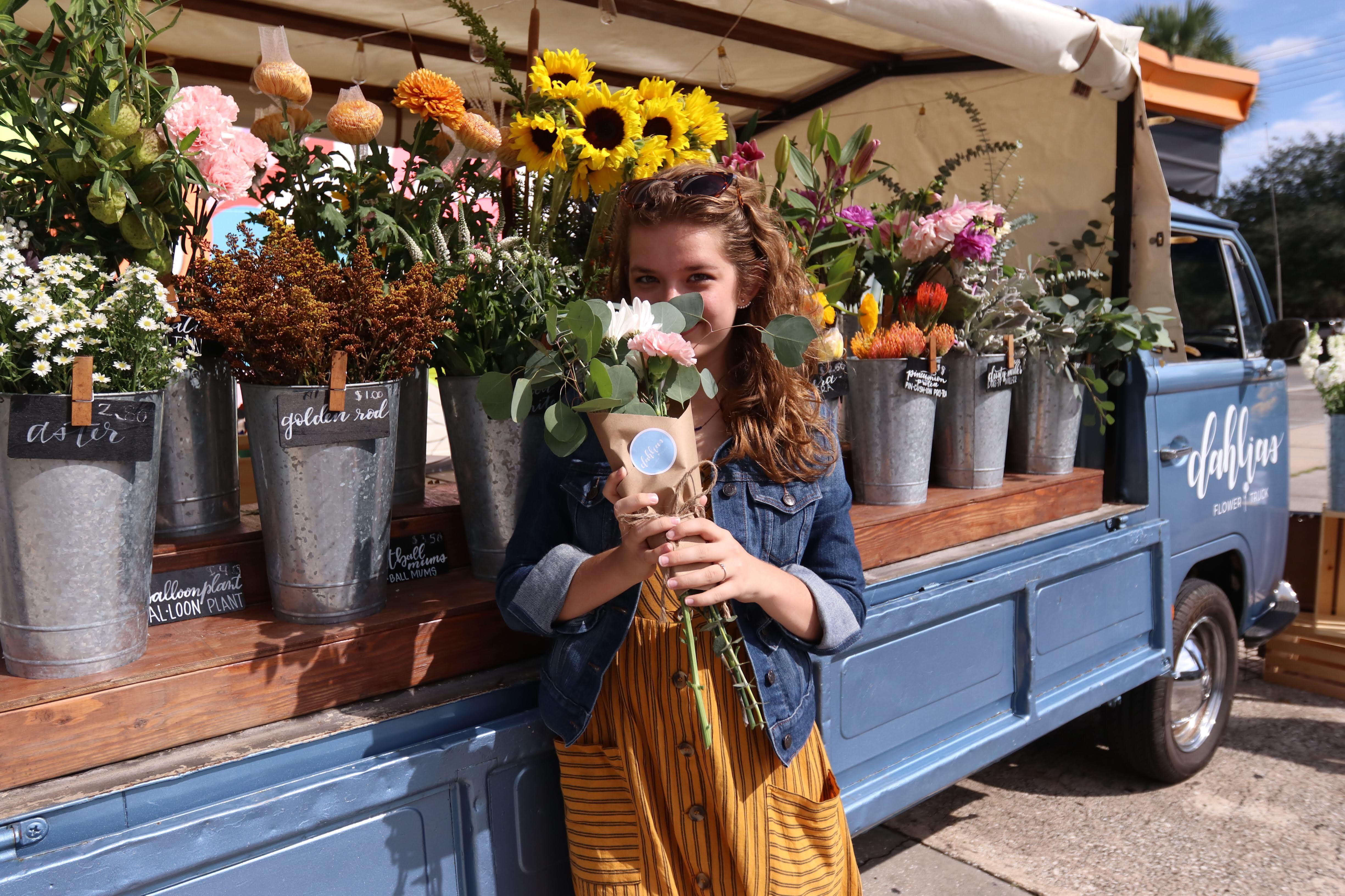 Pin On Dahlias Flower Truck