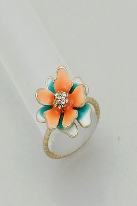 Coral Dipped Flower Ring. #ring #jewelry http://www.amusemeboutique.com/