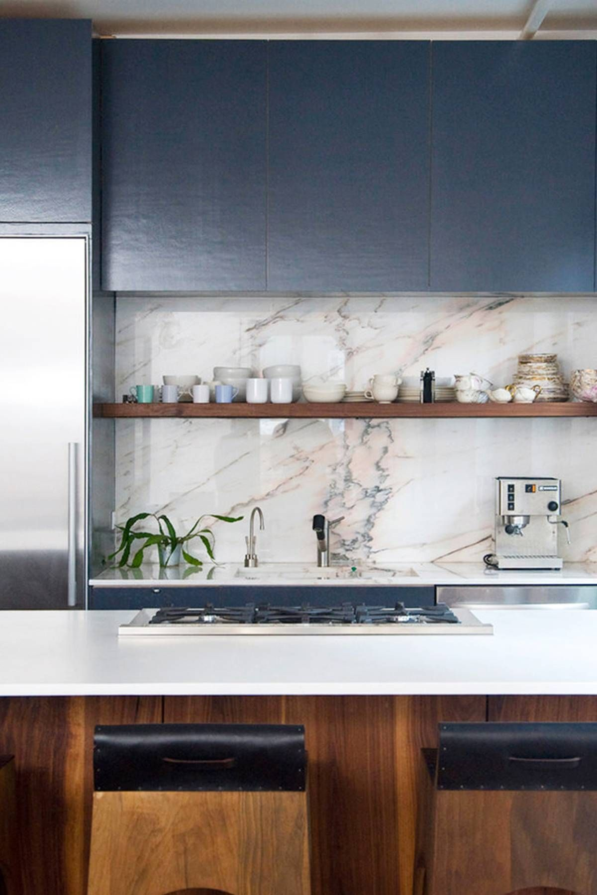 14 Minimalist Kitchens That Will Soothe Your Type A Soul In 2019