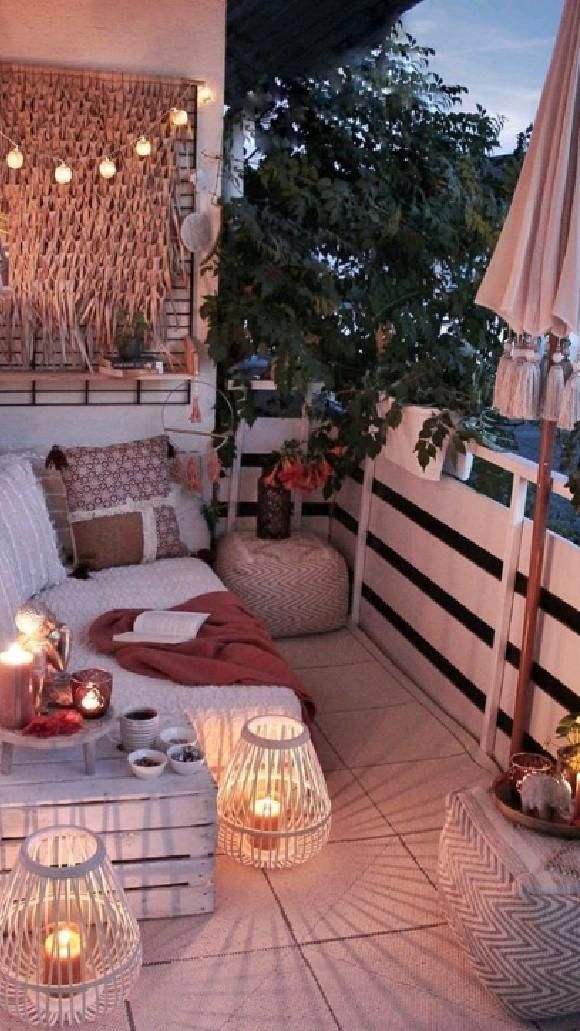 I would love to read in here while it's raining outside