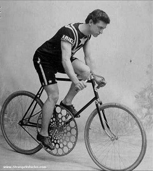 STRANGE OLDE BICYCLE - HUGE SPROCKET!