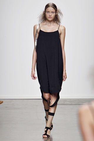 A Detacher - great black dress