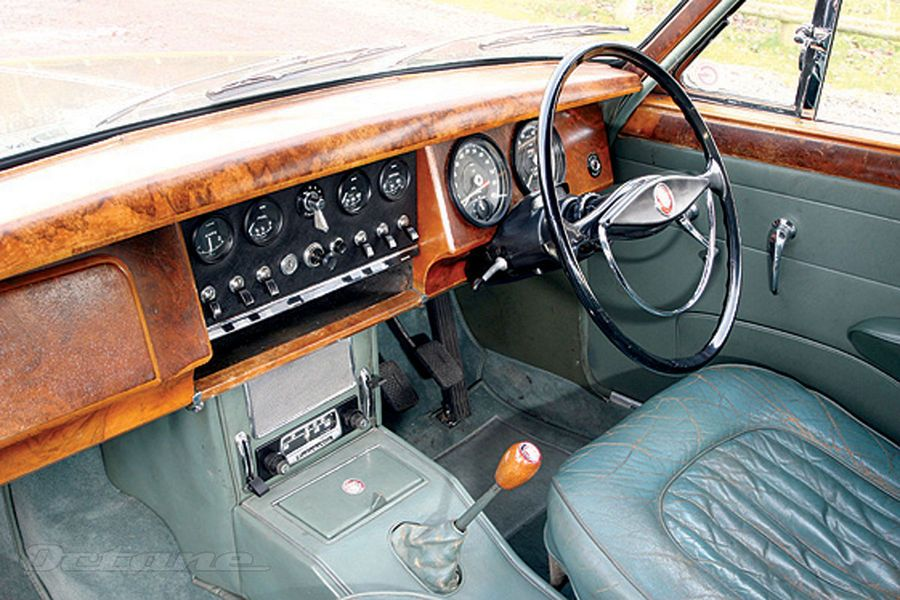 jaguar mk2 1959 1967 interior remember it so well and that glorious smell off duty. Black Bedroom Furniture Sets. Home Design Ideas