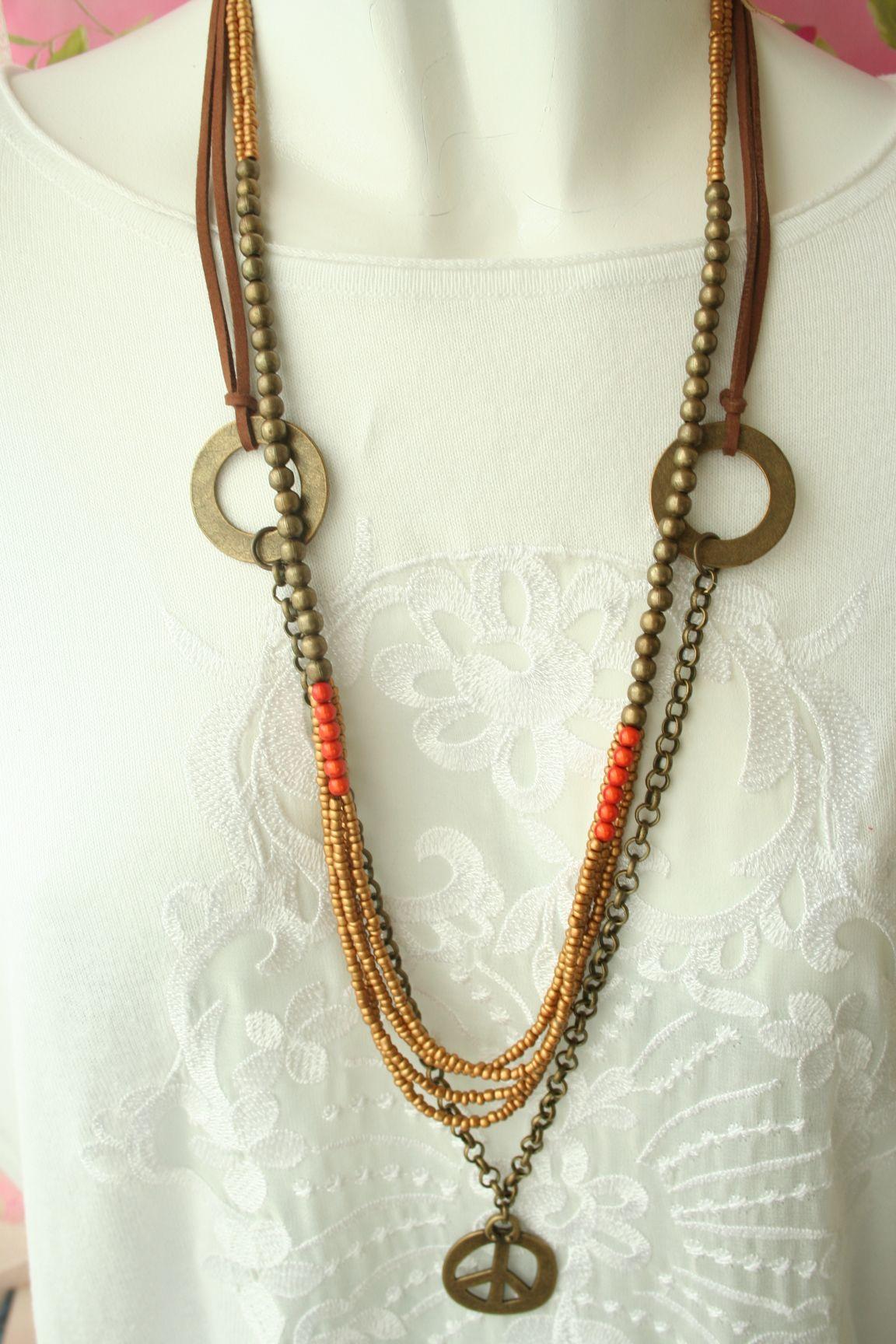 """Facebook page """"Colar ao peito"""" necklace fall 2014"""