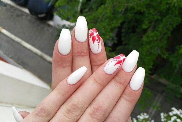 18 red and white nail art designs to try on valentines day 18 red and white nail art designs to try on valentines day prinsesfo Gallery