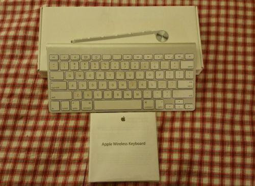 Apple MC184LL/B WIRELESS Bluetooth Keyboard