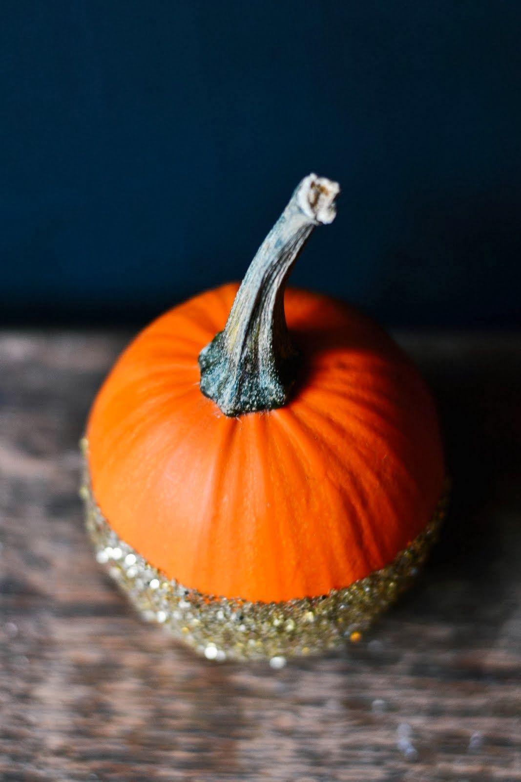DIY Dip Dye Glitter Pumpkins #halloween