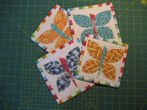 Mug rug and coasters tutorial... mini quilt ~ Nero's Post and Patch