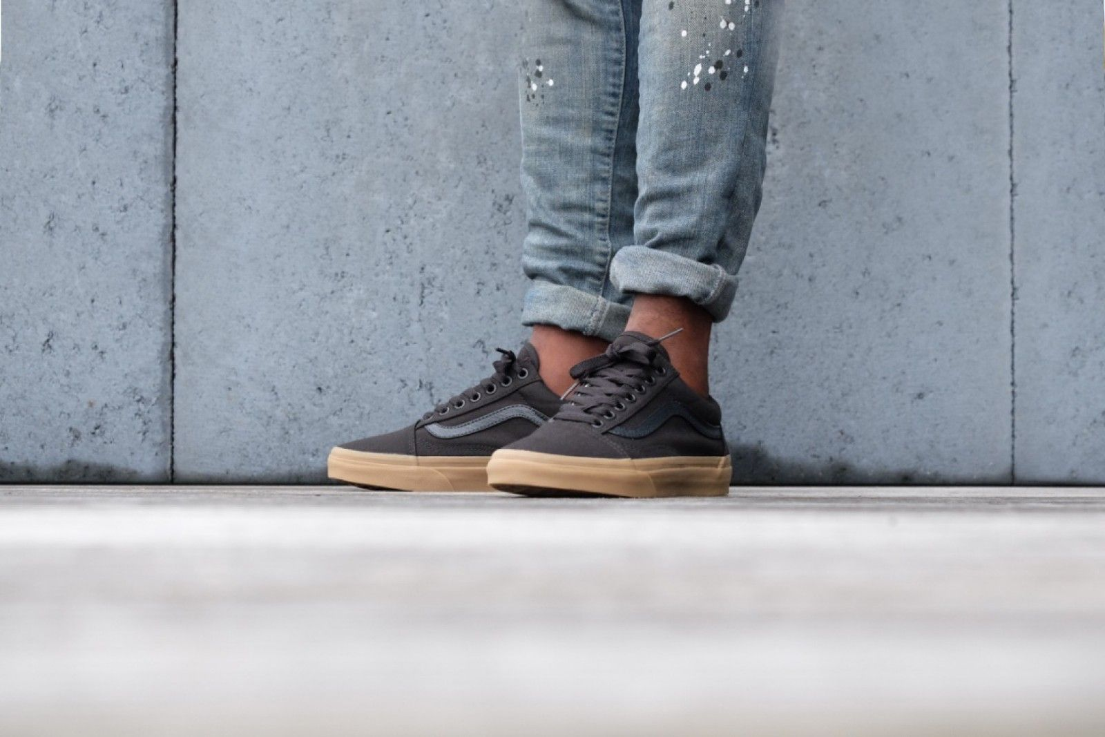 2a3e41bd8e724b Vans Old Skool Canvas - Black   Light Gum - VN0A31Z9L0D