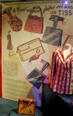 """Coup de coeur culturel : L'exposition """"Pour vous Mesdames"""" - The Red Dress - De…"""