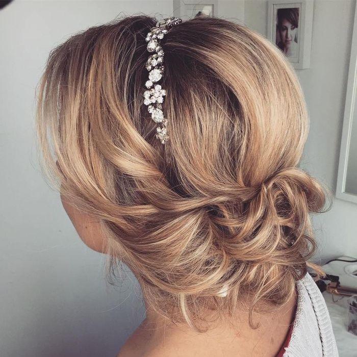 90 + Ideen für Brautjungfern Frisuren zur Inspiration und