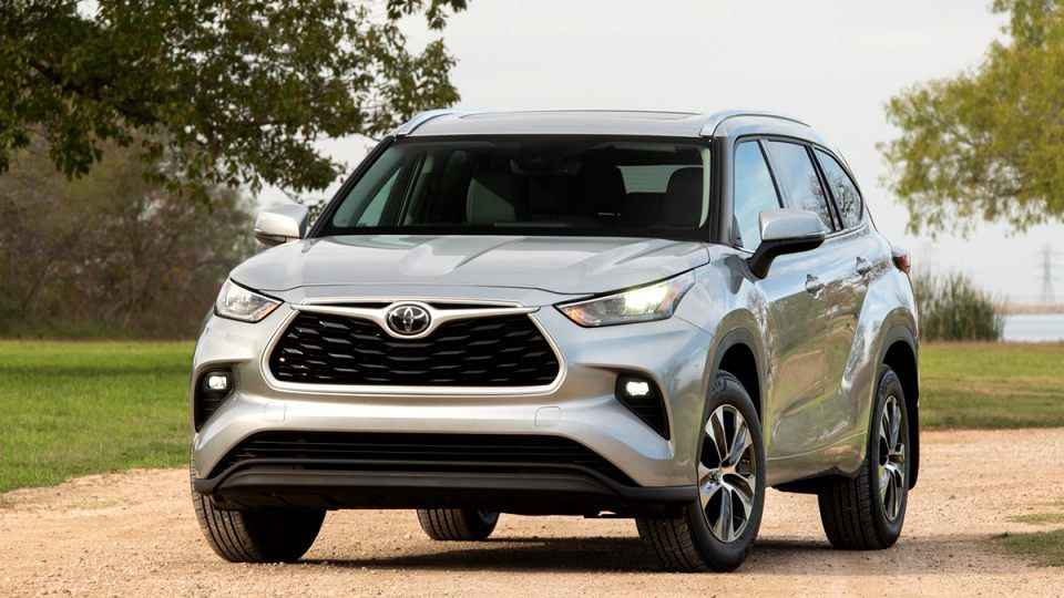 2020 Toyota Highlander Limited Platinum Exterior And Interior Toyota Highlander Toyota Suv Cars