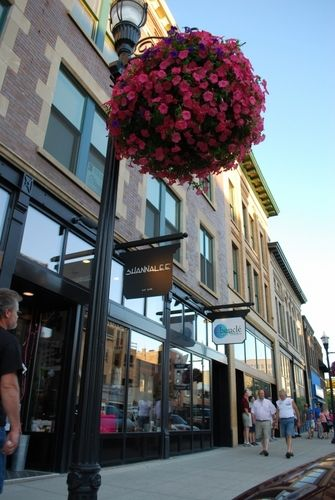 Exterior of Shannalee in Downtown Fargo, ND | Shop in Fargo