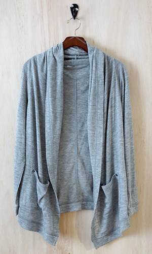 (http://www.shopconversationpieces.com/frequent-traveller-multiway-cardigan-heather-gray/)