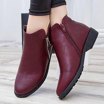 f0b73bf336647 Nuevo 2015 mujer tobillo Botas otoño Botas de moto zapatos de plataforma  Botas Martin talón plano de la Pu de cuero botín Botas Femininas
