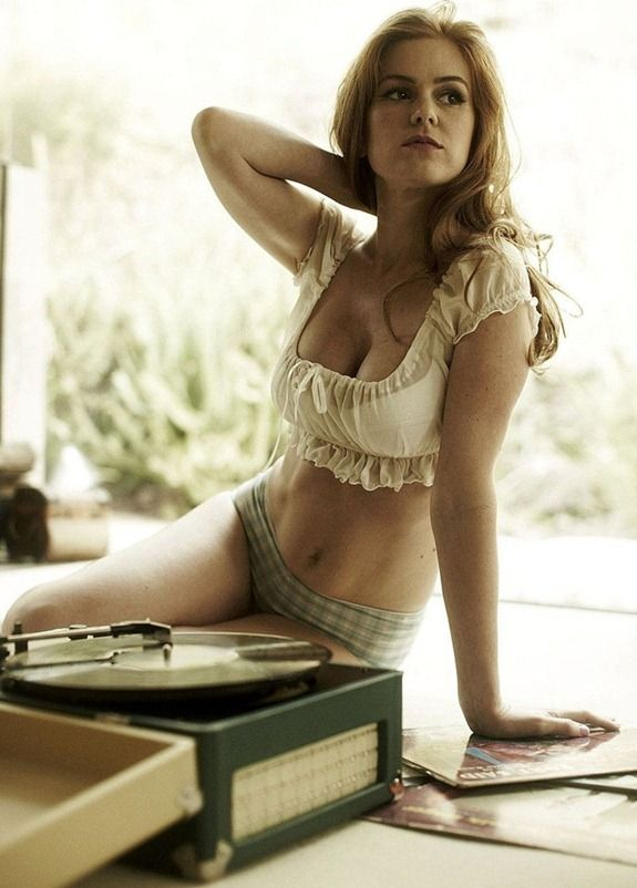 Australian Country girl Isla Fisher Tattoos - Yes Piercings - Yes ...