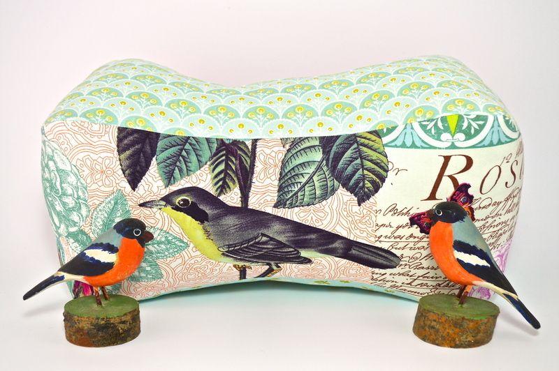 Kissen - Lesekissen Vogel - ein Designerstück von honeybones bei DaWanda