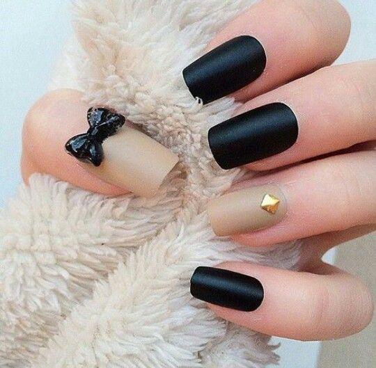 #black_nails