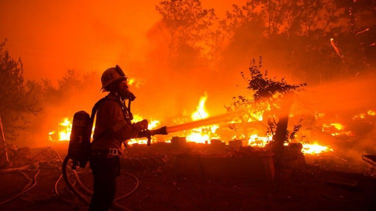 Crews Try To Tame California Wildfire As Heat Wave Arrives Abc News In 2020 California Wildfires Paris Terror Attack California