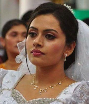 Malayalam Movie Actress Dhanya Mary Varghese Photo Pinterest Delectable Malayalam Love Pudse Get Lost