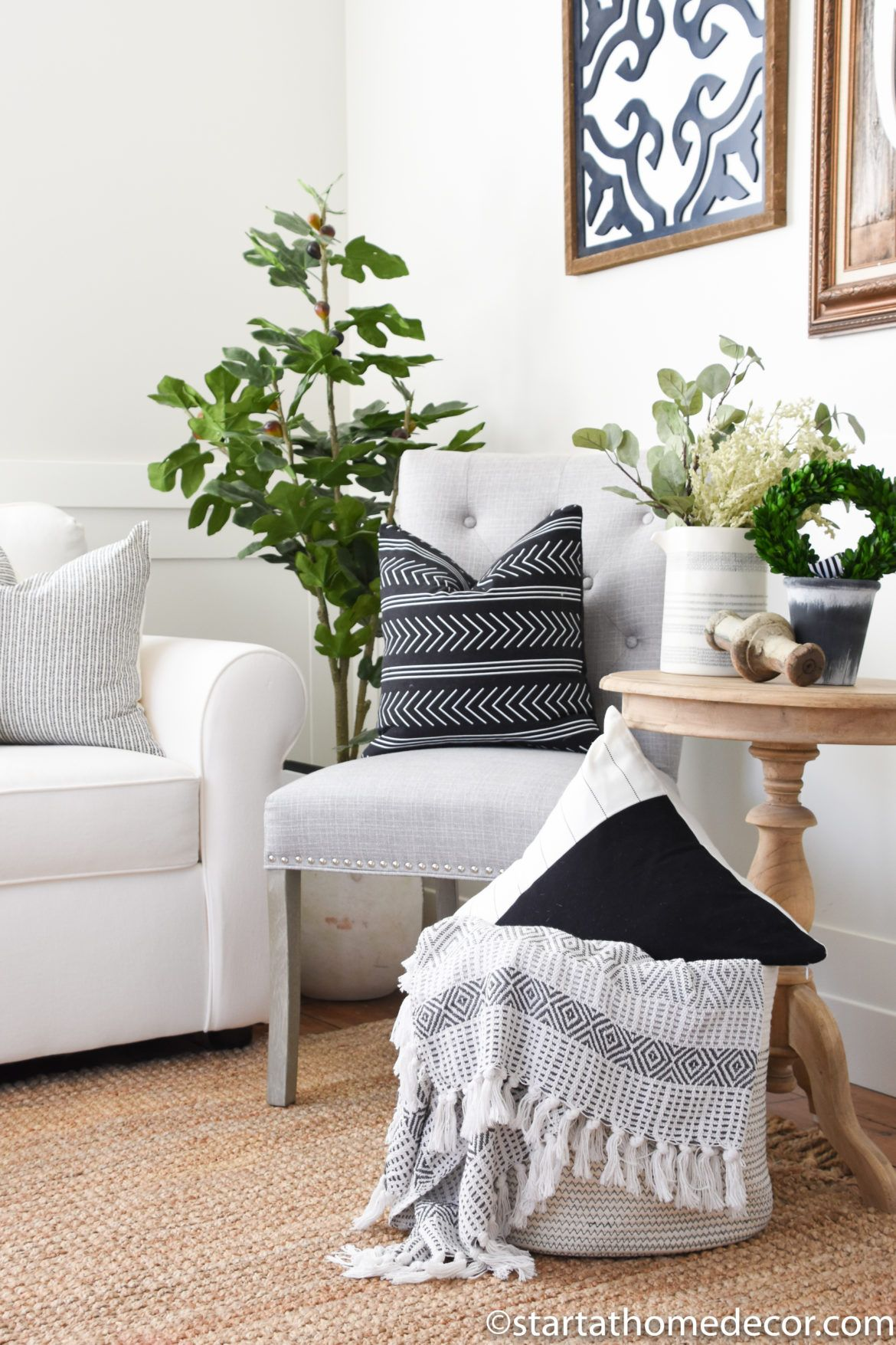 how to use decorative pillows how to use throw pillows in your decor throw blanket  decor how to use throw pillows on a bed how to use throw pillows in your decor
