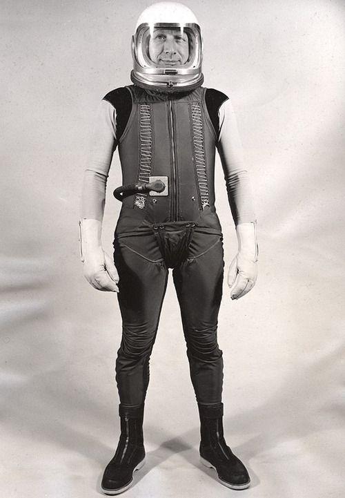 retro astronaut costume - 500×721