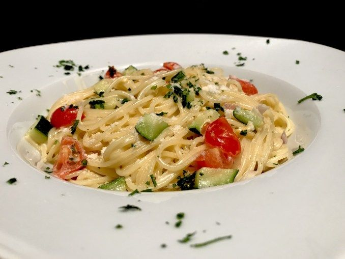 Photo of Spaghetti in a Cheese Zucchini Sauce – Too Lazy to Cook?