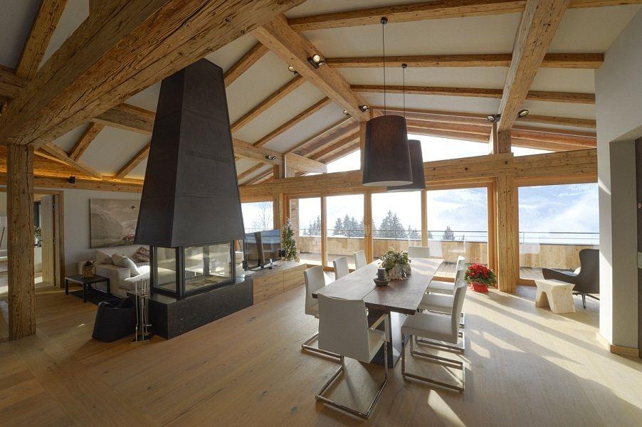 Immobilie in Kitzbühel kaufen mit großem Wohnzimmer und Bergblick