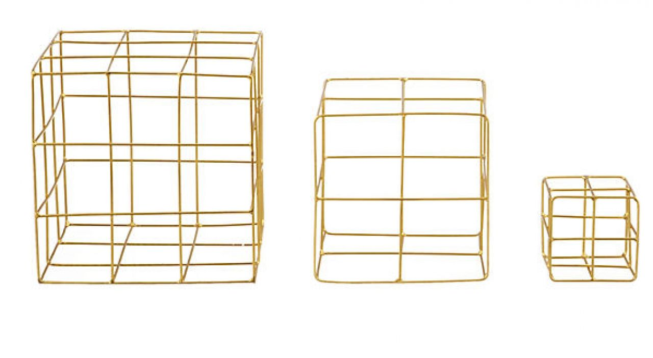 Gold wire cubes