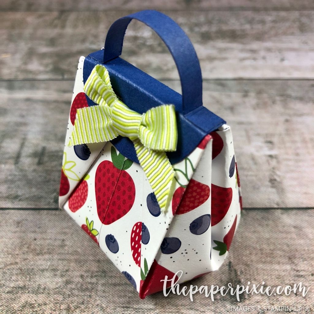 Today S Project Is A Mini Origami Handbag Perfect For Party Favor Holding Treats Here Different View And What The Bottom Looks Like I D