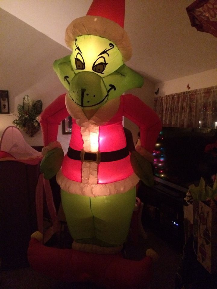 gemmy airblown inflatable blow up grinch christmas yard display 8 ft box grinch christmas