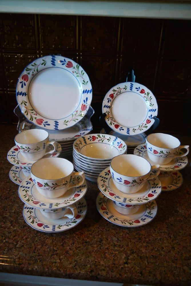 SERVICE FOR 8 NIKKO PROVINCIAL DESIGNS AVONDALE DINNERWARE/SET OF 40 PCS # NIKKO & Service for 8 nikko provincial designs avondale dinnerware/set of 40 ...