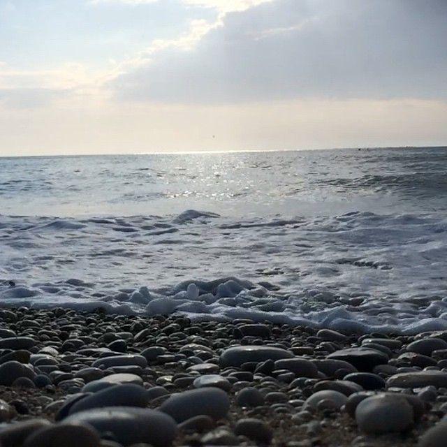 así suena una playa de canto rodado... #costablanca #beach #elalbir