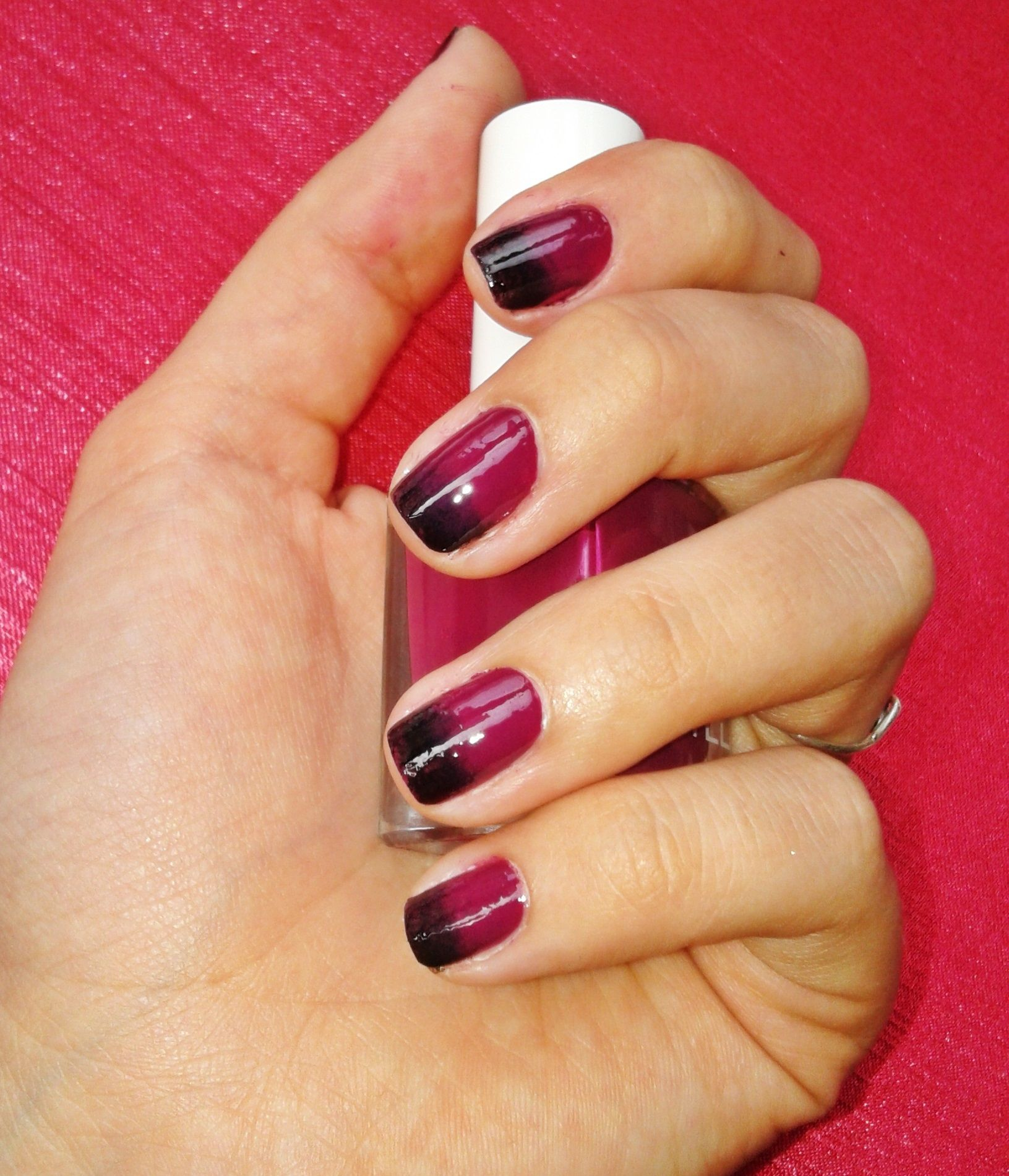 Ombre Nail Art: Black And Burgundy Ombre Nails #ombrenail #nailart