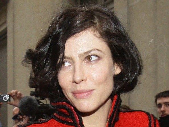 french actress anna mouglalis perfect curly bob french actress