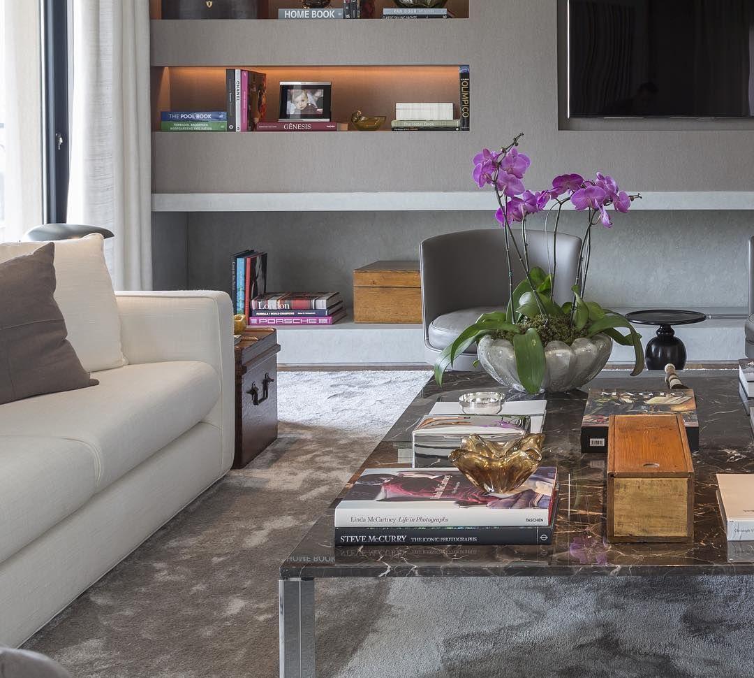 Detalhe do Living - Projeto Jardim America - SP #dadocastellobranco #decoracao #decor #interiores #interiordesign #interiors #designdeinteriores #living #decoration #architecture #arquitetura #design
