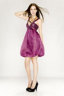 Vestidos purpura cortos.