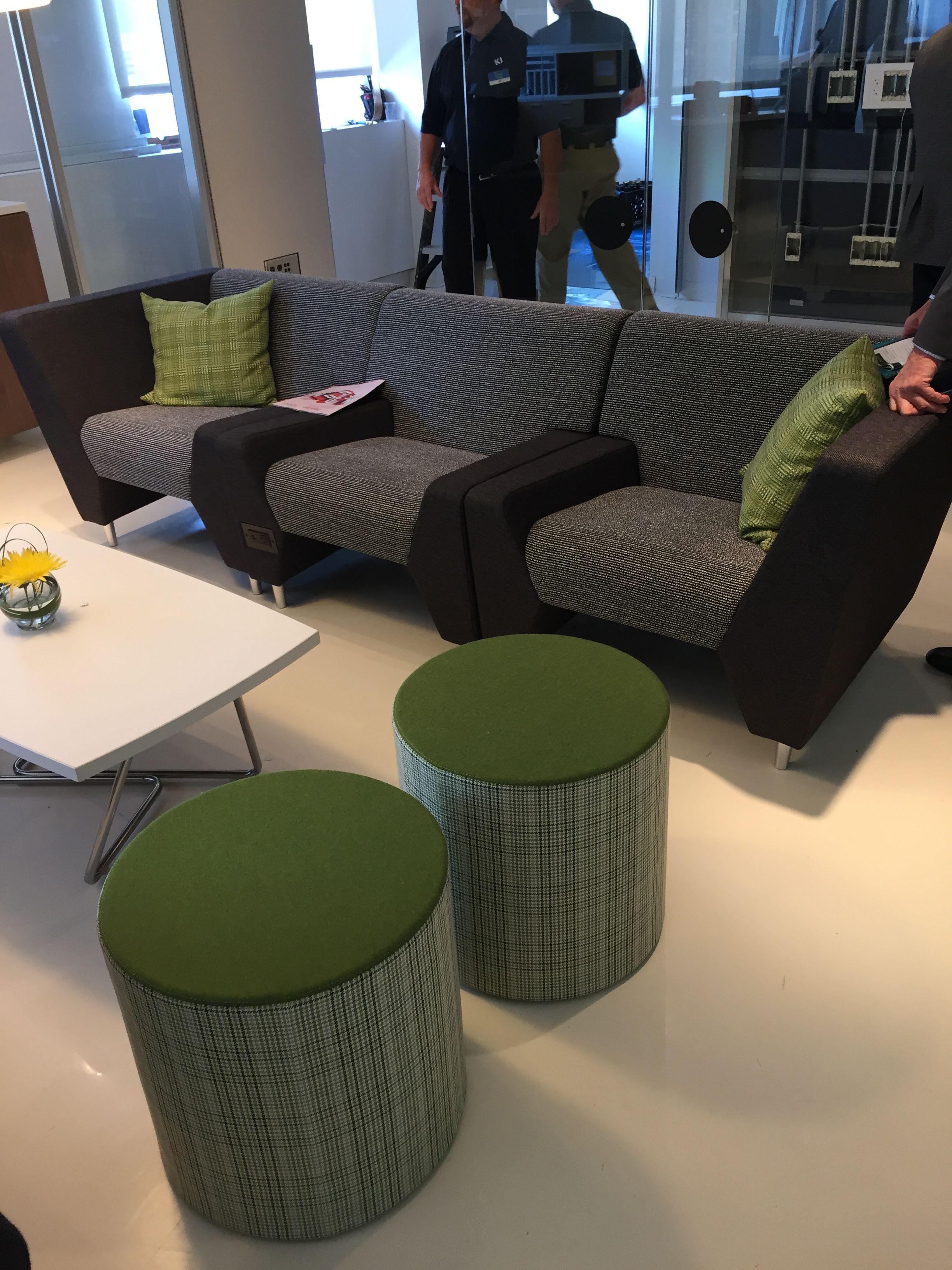KI NeoCon 2017 Modular Lounge Furniture