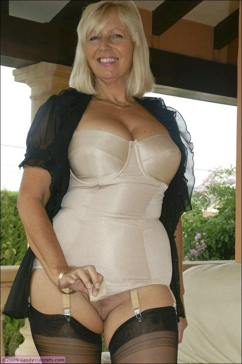 Pin By Peter On Mature Milf Gilf Saggy Pinterest