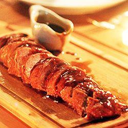 Filé de porco ao shoyu, mel e laranja