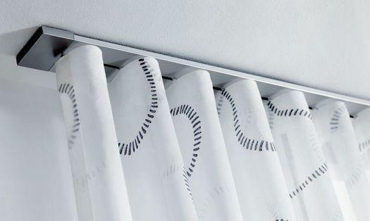 Wave gordijnen aan een platte RVS rails | Hang On!! | Pinterest ...