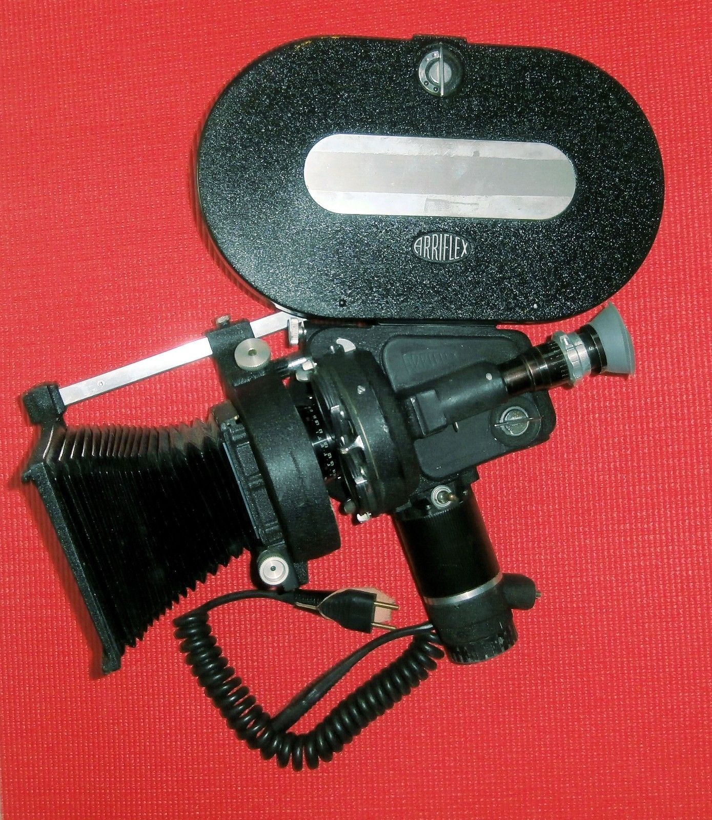 An Ii B B Arriflex 35 Ii B 35mm Movie Camera Body Magazine900