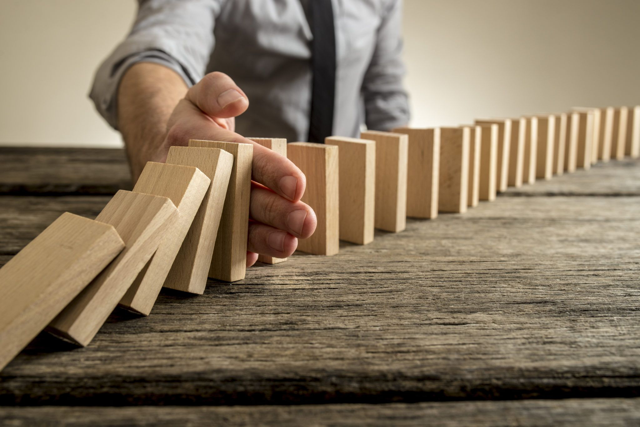React Positively Domino effect, Wooden tables, Business
