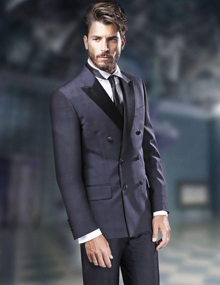 Sognare uomo vestito di grigio