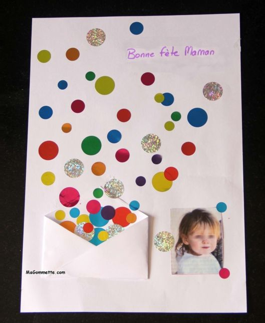 55185a56ceac Bricolage Carte de Fête des Mères avec photo, pliage et gommettes ...