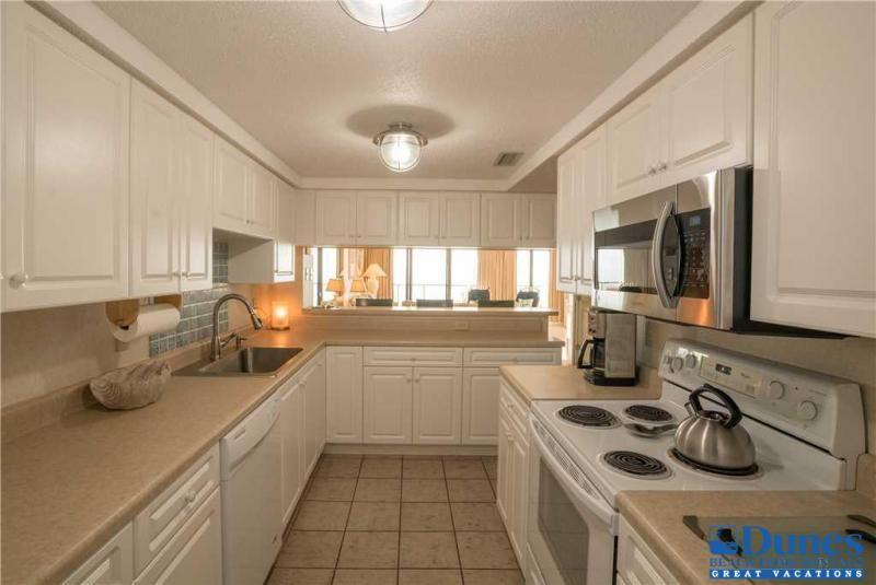 Kitchen | Beach vacation rentals, Oceanfront vacation ...