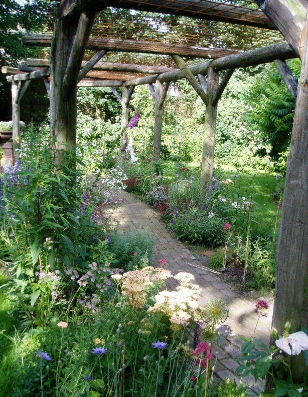 Weelderig gardens pinterest tuinontwerp tuin en planten - Pergola provencaalse ...